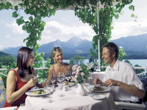 Terrasse der Götzlstuben, Gourmettempel am Faaker See